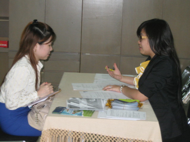 Vinna was listening to feedback given by Binus career professional interviewer on her performance during the interview